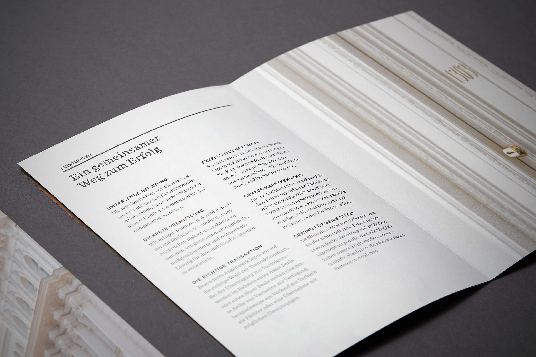 Branding Typografie Schrift Broschüre Folder Design Grafikdesign Hofegger Branding
